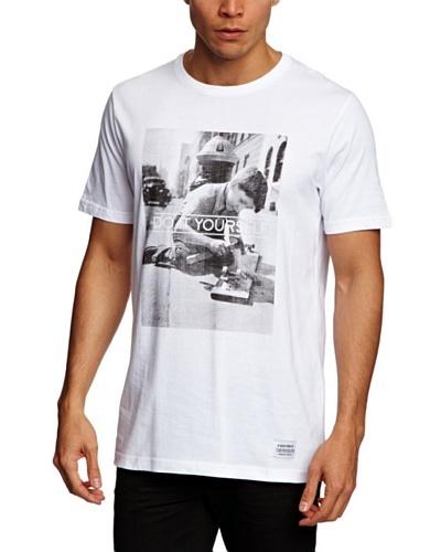 A QUESTION OF Camiseta Diy
